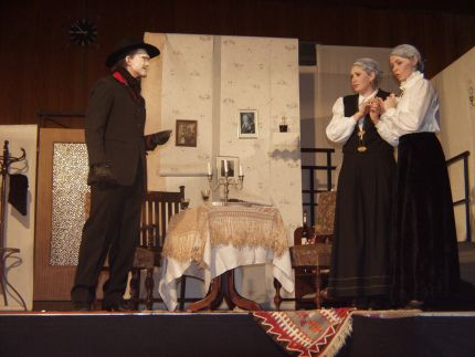 theater_arsen3.jpg